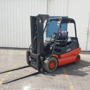 Linde E30 with 4th hyd